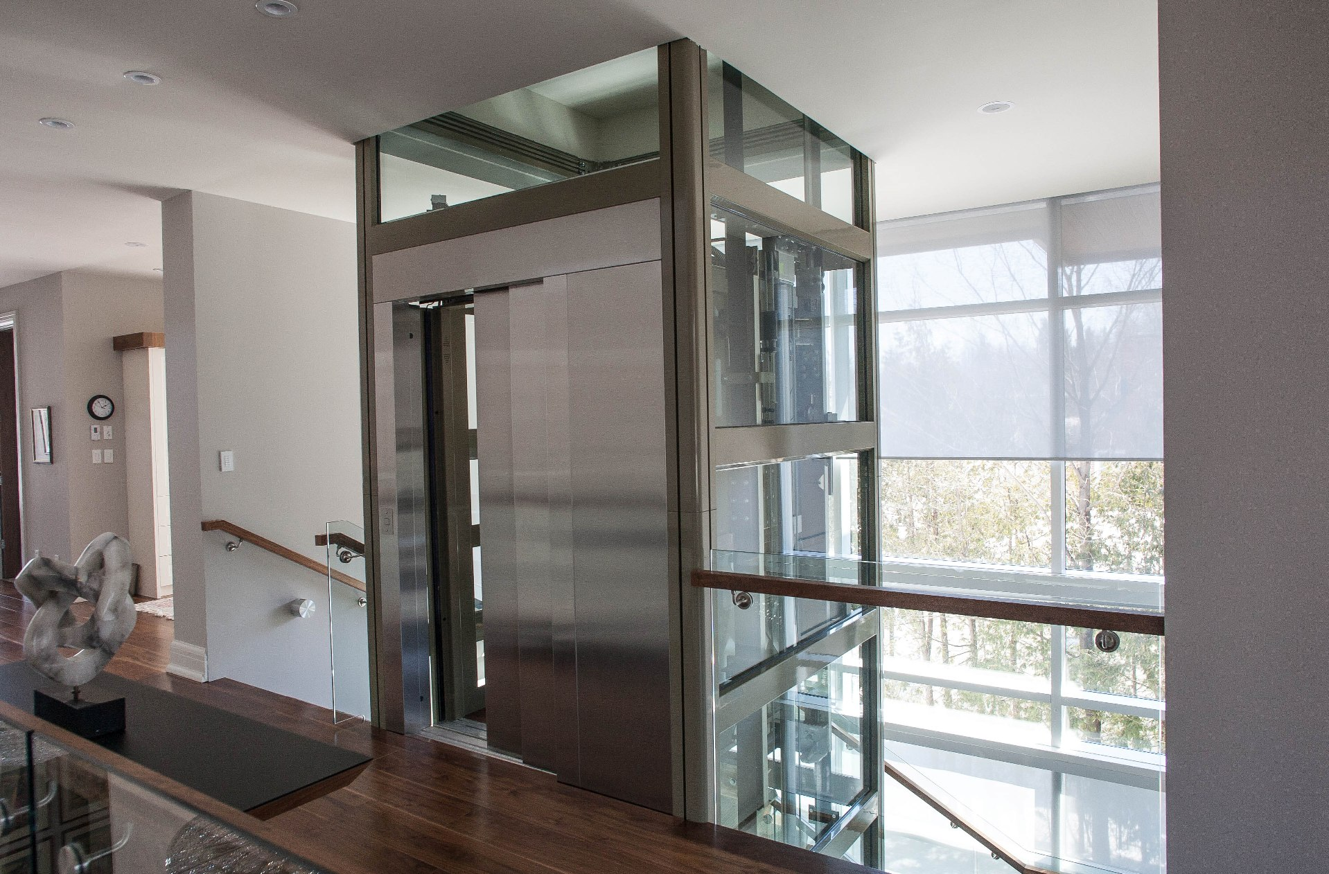 Residential Hydraulic Lifts : Utility elevators get the service you deserve